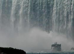 niagara falls boat rides