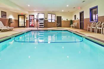 hampton inn niagara falls pool