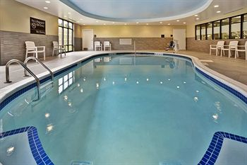 hampton inn niagara boulevard pool