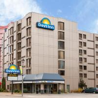 Days Inn and Suites Hotel in Niagara Falls