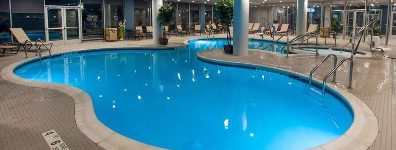 double tree hilton niagara falls hotel pool