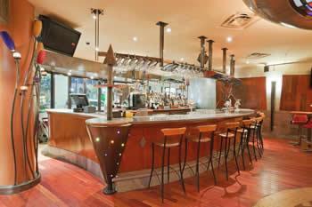 holiday inn express niagara falls lounge