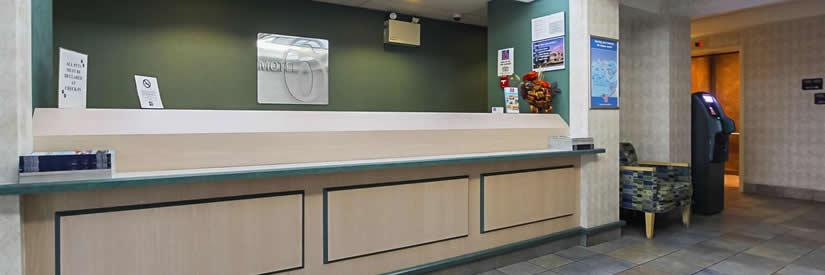 motel 6 niagara falls lobby