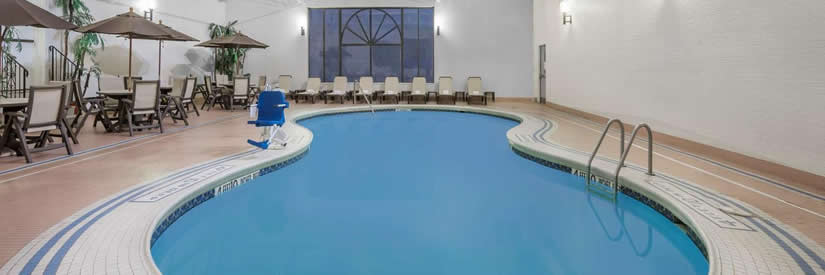 days inn hotel niagara falls new york pool